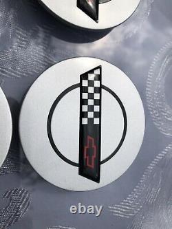 4 Corvette 10137865 Chevrolet Véritable Oem Wheel Center Caps Juste Trouvé Nice