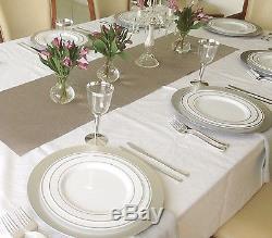 Assiettes En Plastique Jetables De Fête De Mariage Et Couverts Et Tasses De Vin Avec Le Bord Argenté